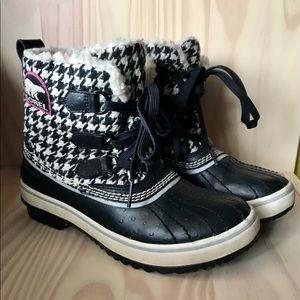 Sorel Tivoli houndstooth boots